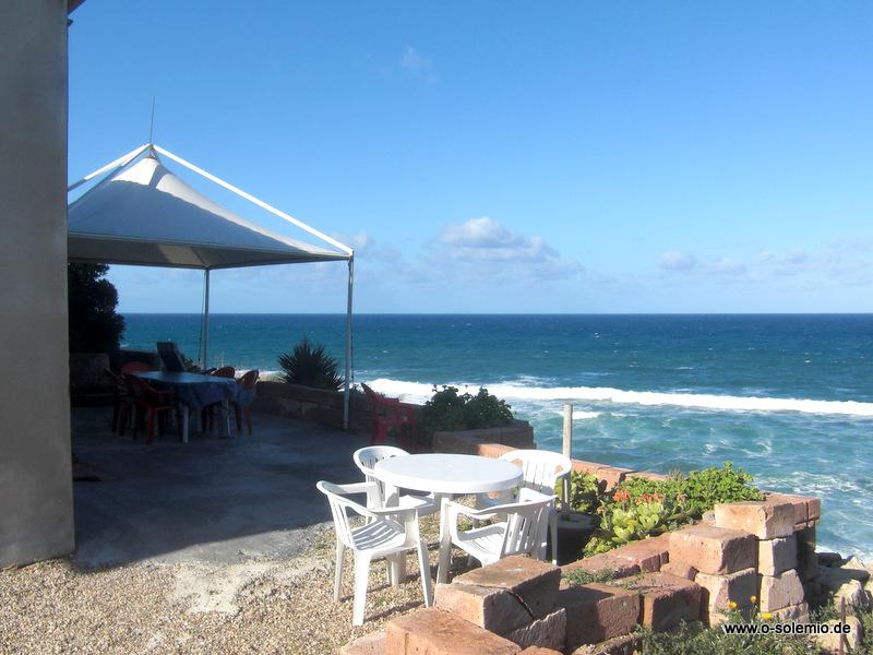 Ferienhaus direkt am meer an den klippen der westkueste for Sardinien ferienhaus am strand