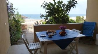 Frühstück mit Meerblick auf der Terrasse der Ferienwohnung Assunta,