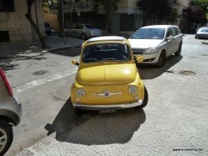 Parken bei weißen Linien, Verkehrsregeln auf Sardinien