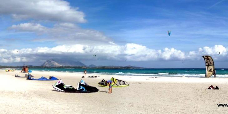 San Teodoro, Strand La Cinta mit Blick auf die Isola Tavolara