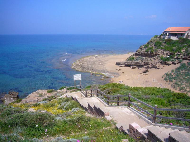 Sardinien strandspaziergang in porto alabe o solemio for Sardinien ferienhaus am meer
