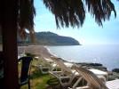 Die kleine Bar am Meer, gleich neben dem Strand vonTuras