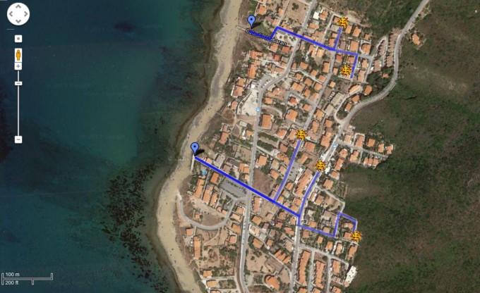 zu fuß an den strand von porto alabe