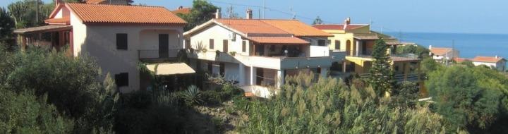 Sardinien, Porto Alabe, Ferienwohnung Antonica links im Bild