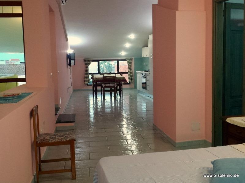 Blick Vom Bett Zur Küche, Rechts Badezimmer, Apartment Antioco