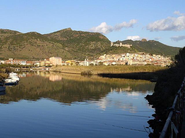 Sardinien, Bosa Altstadtansicht